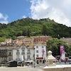 Calles De Sintra con vista al castillo de los Moros