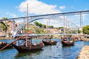 Oporto Medio Día Con Cata De Vinos Y Crucero