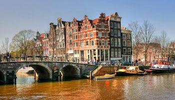 Recorrido A Pie Por Amsterdam Y Barco En Los Canales